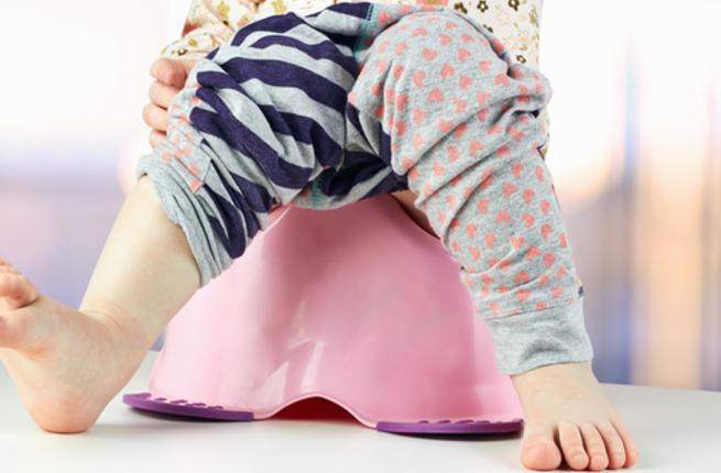 أسباب قلة البول عند الأطفال الرضع Urinat10