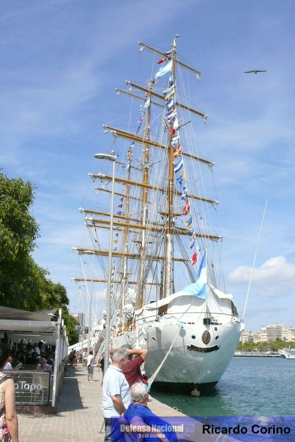 La Fragata Libertad en el puerto de Barcelona. P1170720