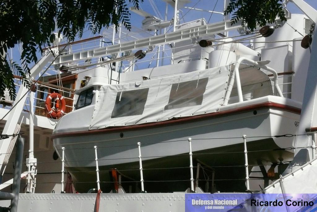 La Fragata Libertad en el puerto de Barcelona. P1170721