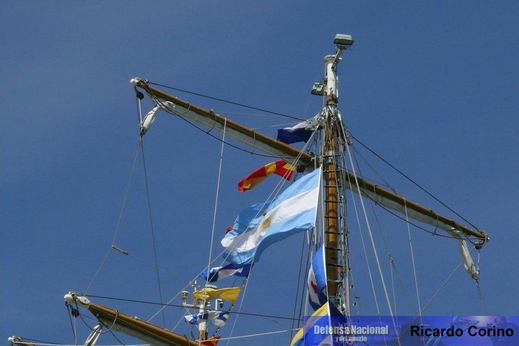 La Fragata Libertad en el puerto de Barcelona. P1170730