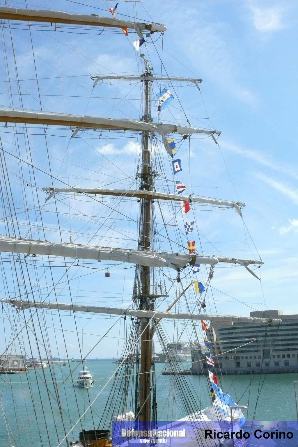 La Fragata Libertad en el puerto de Barcelona. P1170731