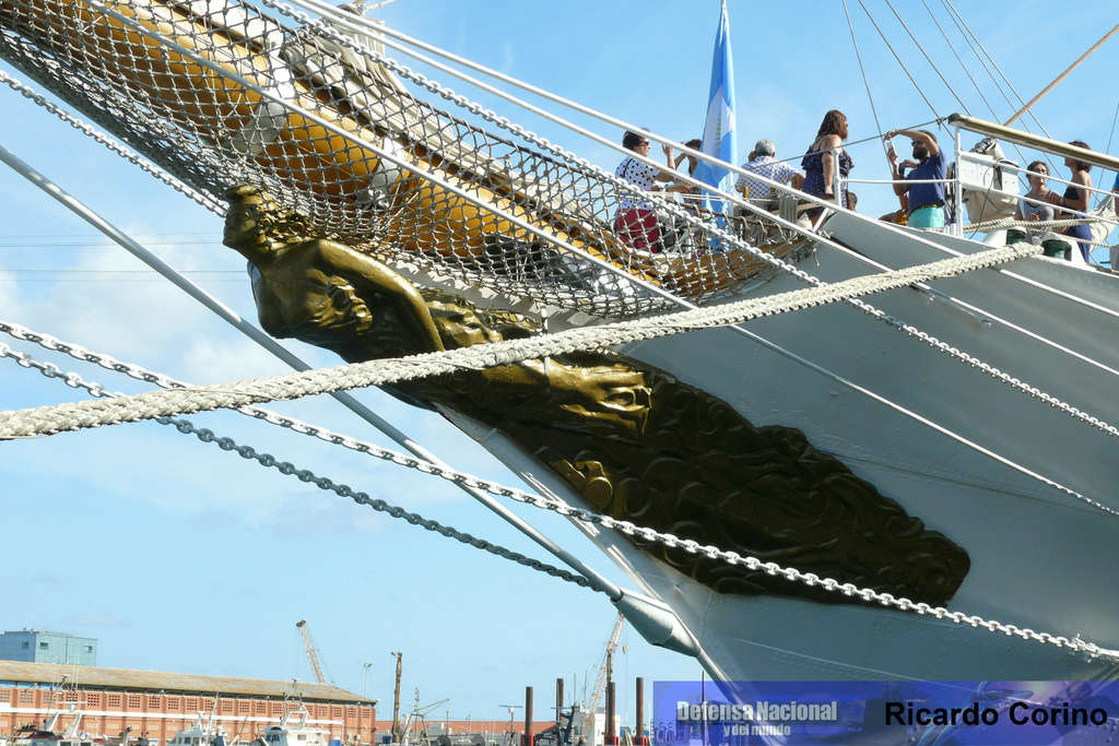La Fragata Libertad en el puerto de Barcelona. P1170821