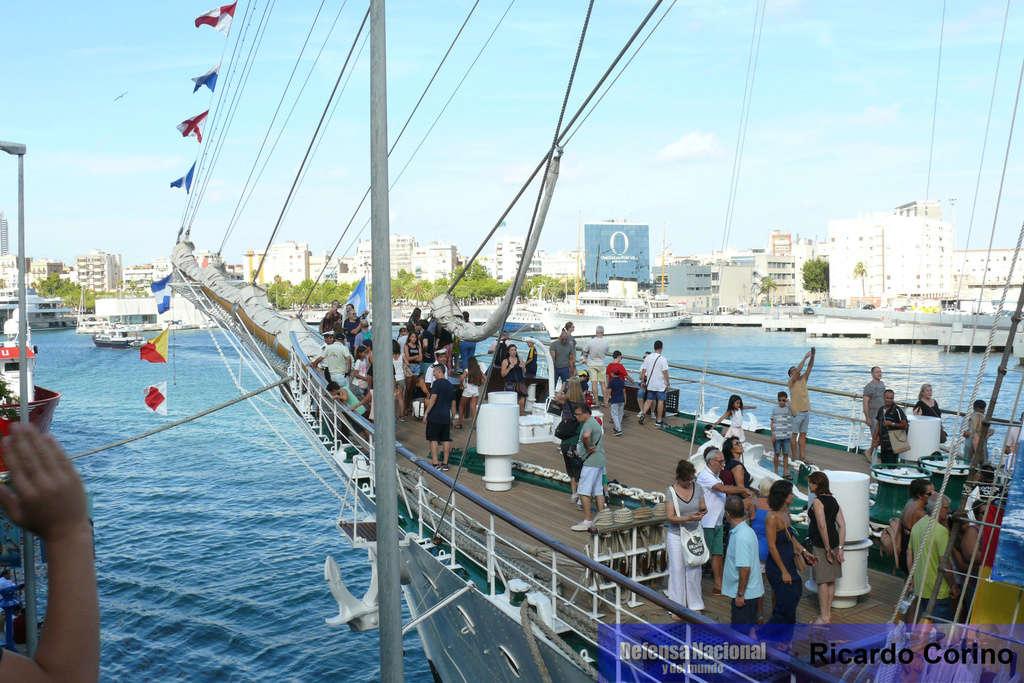 La Fragata Libertad en el puerto de Barcelona. P1170823