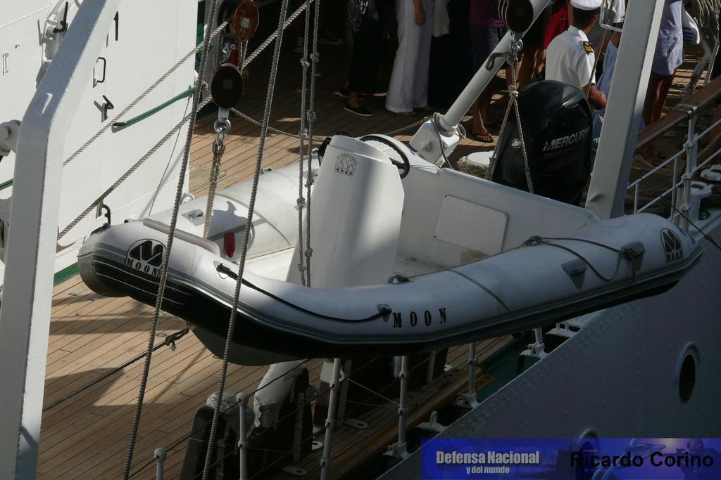La Fragata Libertad en el puerto de Barcelona. P1170825
