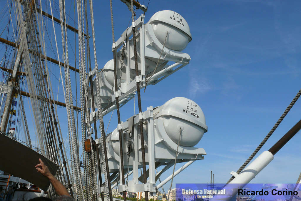 La Fragata Libertad en el puerto de Barcelona. P1170827