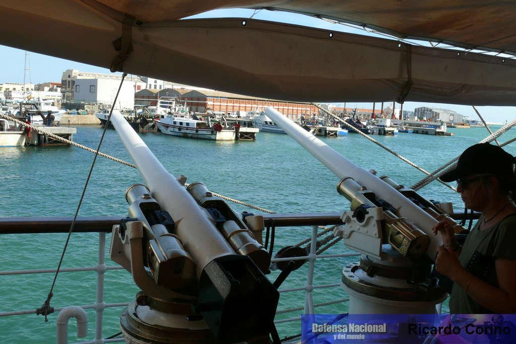 La Fragata Libertad en el puerto de Barcelona. P1170830
