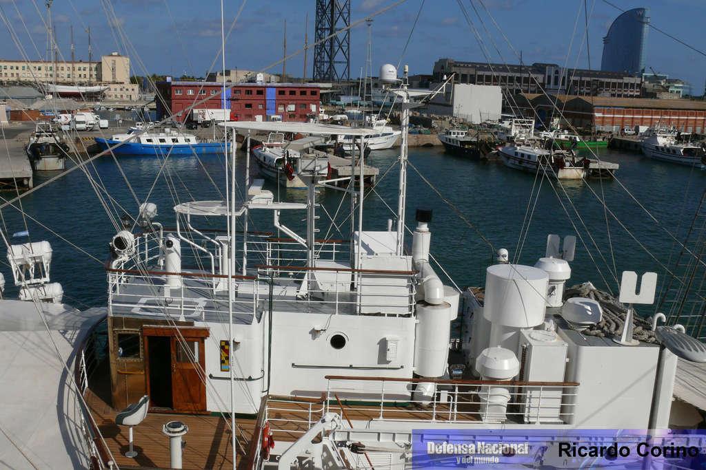 La Fragata Libertad en el puerto de Barcelona. P1170833