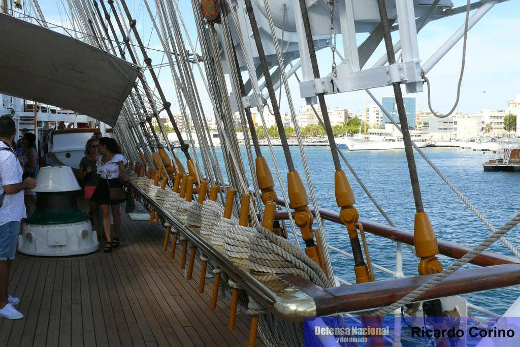 La Fragata Libertad en el puerto de Barcelona. P1170840