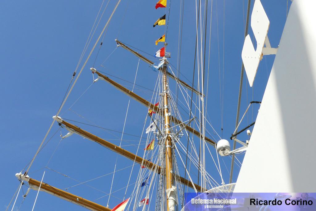 La Fragata Libertad en el puerto de Barcelona. P1170848