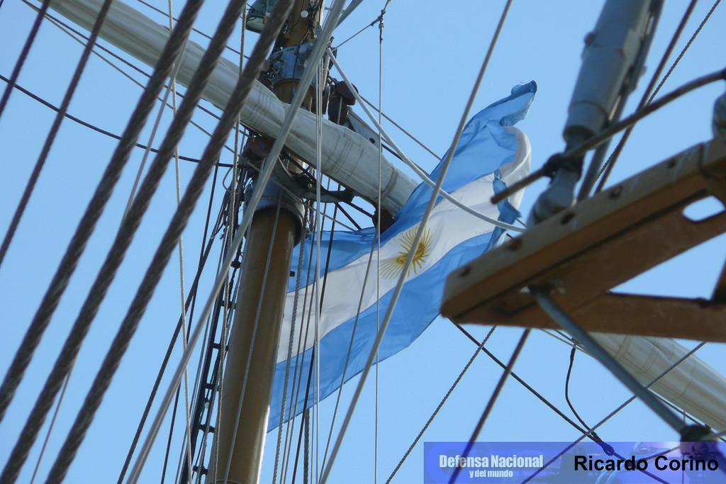 La Fragata Libertad en el puerto de Barcelona. P1170851