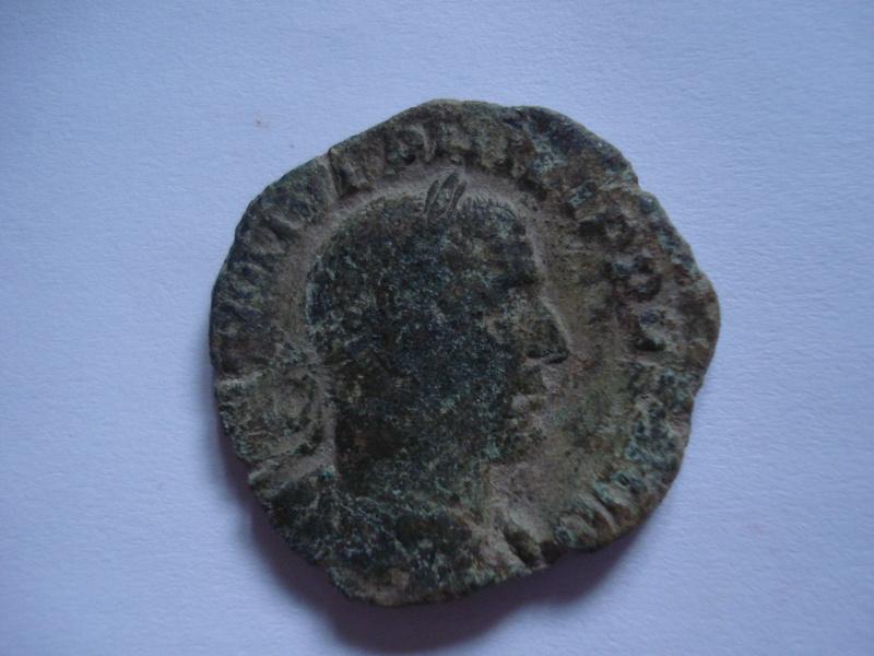 Sestercio de Filipo I El Árabe. P M TR P II COS P P /S C. Emperador sedente Dsc01215