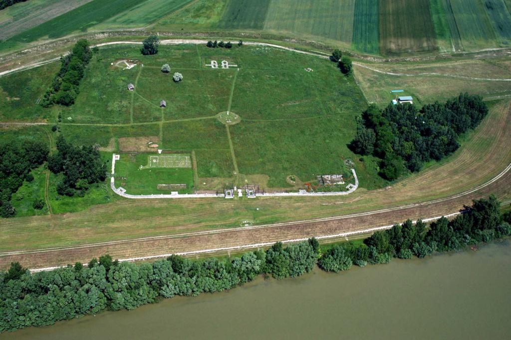 Najnovšie archeologické výskumy na Slovensku - Stránka 2 Izalet10