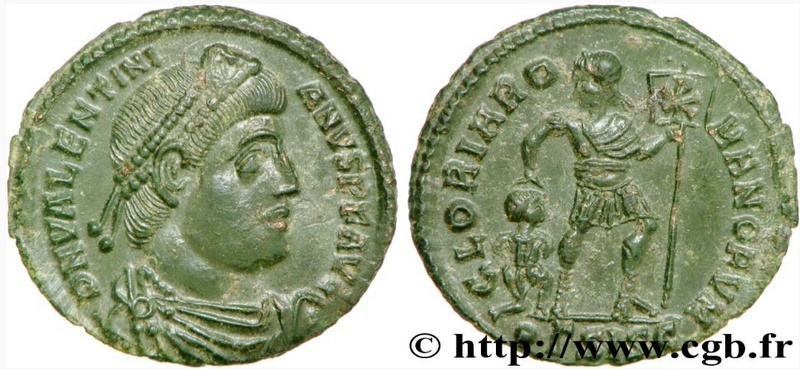 AE3 bajo imperio tipo GLORIA ROMANORVM con Emperador avanzando a dcha. arrastrando a cautivo. Screen11