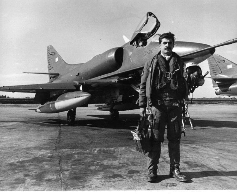 Fotos de la Fuerza Aérea Argentina - Página 3 Piloto10
