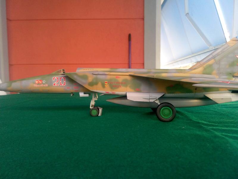 MiG-25RBF, ICM 1/48 Img_2013