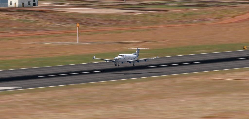 Missão Azul - Pilatus PC12 em ação. 411