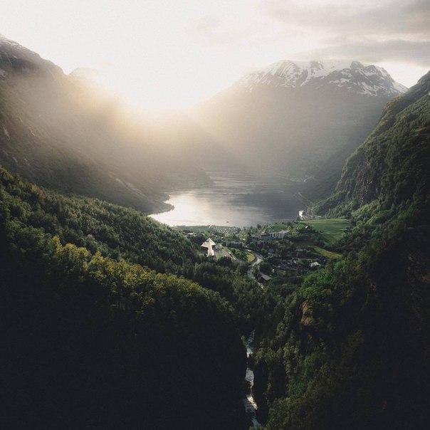 Роскошные пейзажи Норвегии - Страница 20 Auspja10