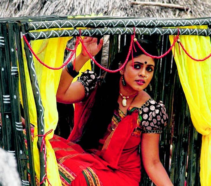 நிஜ கல்லறையில் நடித்தது திகிலான அனுபவம் – இனியா Cine-i10