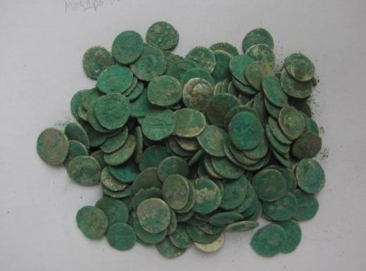 Лупнаха гърне с римски монети в Мездра 15054010