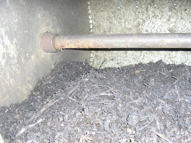 Rénovation de mon composteur (les photos datent de 2011) P1010014