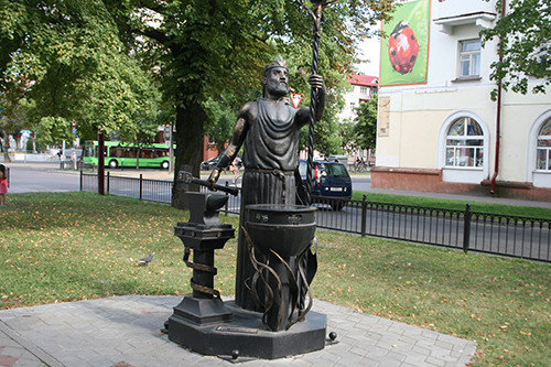 Кованые фонари-скульптуры и другие арт-объекты г. Бреста Img_0429