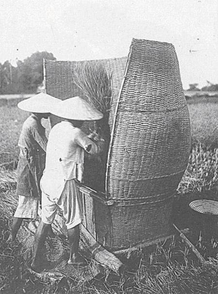 Sau 50 Năm Đọc Lại Quốc Văn Giáo Khoa Thư (GS Trần Văn Chi) - Page 3 Nongcu12