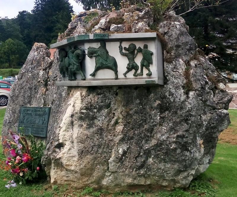 La primera Derrota de Carlomagno - RONCESVALLES Img_2013