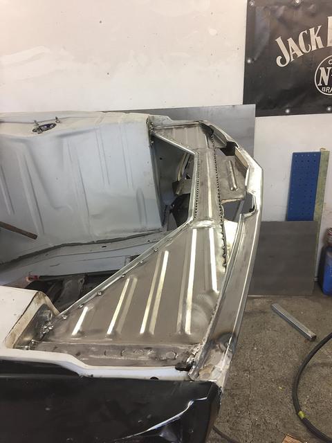 Taza-: BMW 2002 23700010