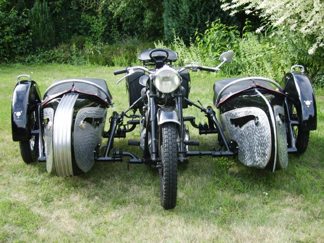 VEHICULO PARA EL JUEGO T. HUNTER CLASICO: MOTO SIDECAR Motorc11