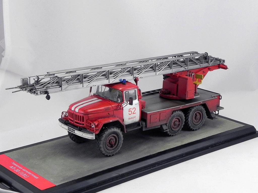 Пожарная автолестница АЛ-30 (131) 1:43 AVD 10110