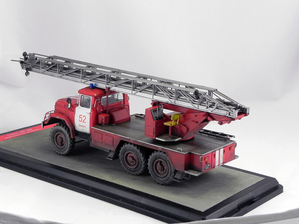 Пожарная автолестница АЛ-30 (131) 1:43 AVD 10210