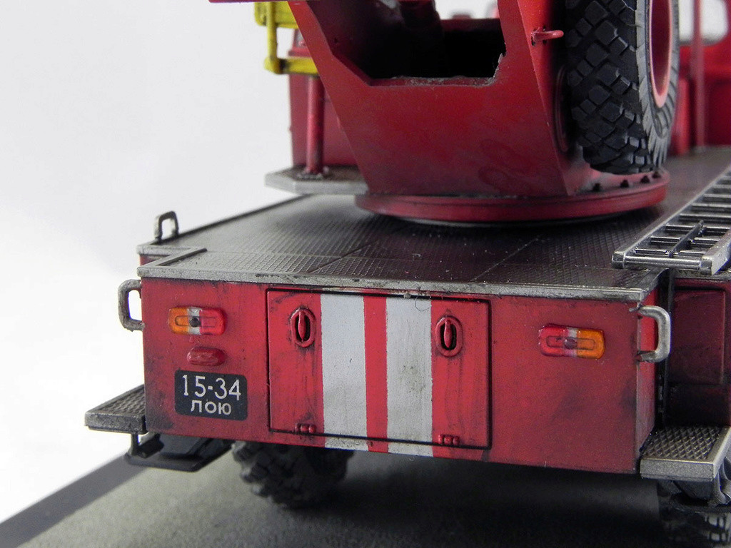 Пожарная автолестница АЛ-30 (131) 1:43 AVD 10810