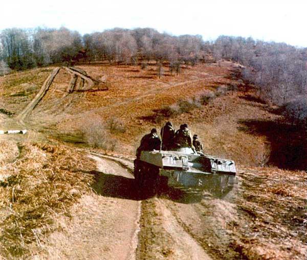 Боевая машина десанта БМД-1 1/35 Otvaga11