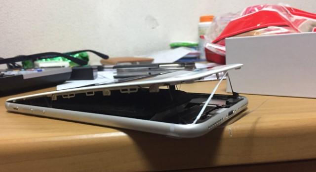 "iPhone 8 Plus με ""φουσκωμένες"" μπαταρίες εμφανίστηκαν στα social media Iphone10"