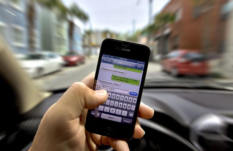 Software για το αυτοκίνητο γνωρίζει πότε ο οδηγός στέλνει SMS Textin10