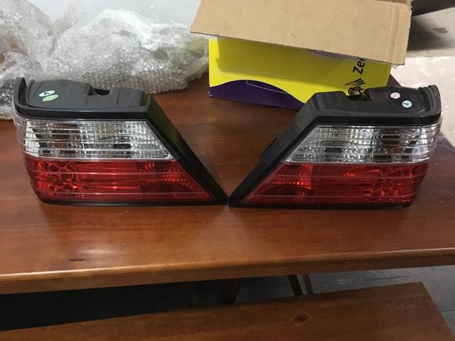 Vendo Par De Lanternas/farois Traseiros Mercedes W124 - R$350 19622510