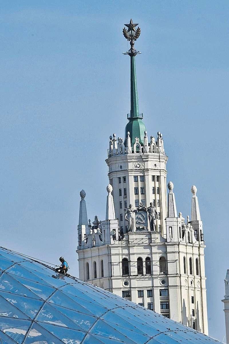 В нашей любимой Москве Wx108010