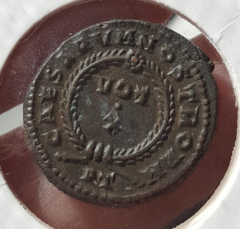 AE3 irregular Constantino I. CAESARVM NOSTRORM - VOT · X. Ceca Ticinium. Whatsa11
