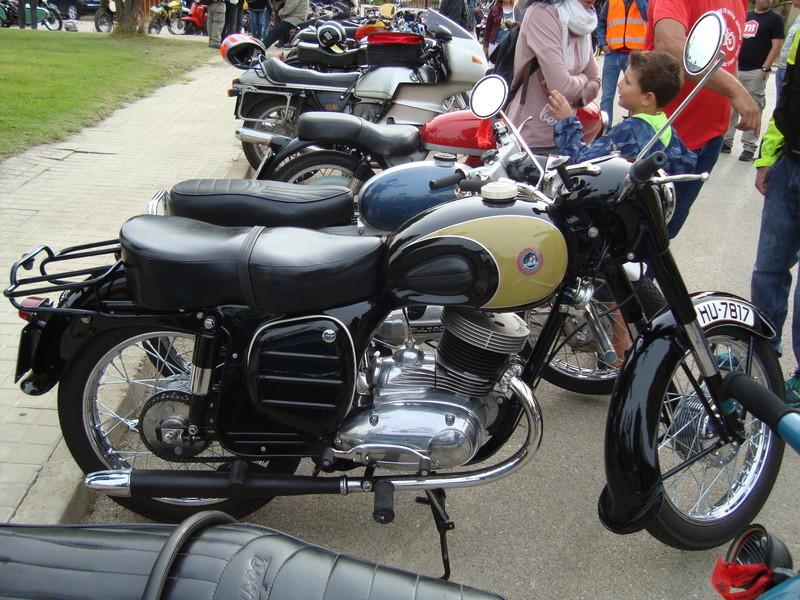 XIII Concentracion de motos antiguas Alberuela de tubo (Huesca) Dsc02136