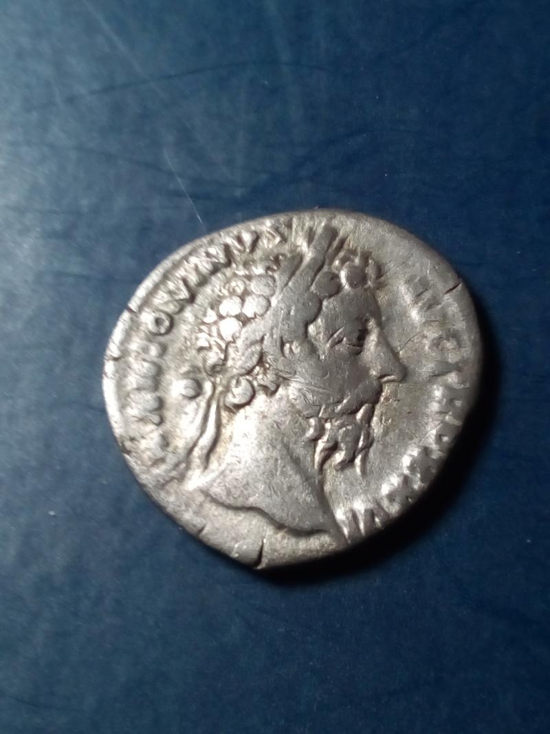 Denario de Marco Aurelio. IMP VI COS III. Aequitas Img_2014