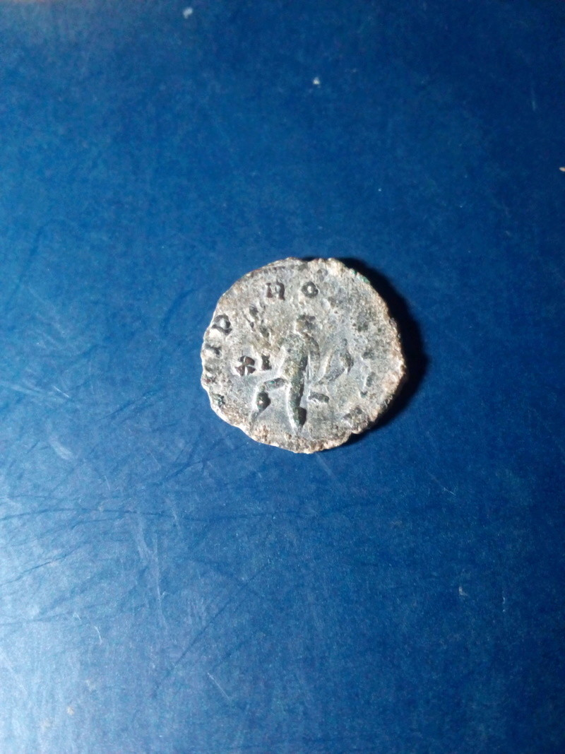 Antoniniano de Galieno. IOVI PROPVGNAT. Júpiter estante a dcha. lanzando rayos. Ceca Roma.  Img_2036