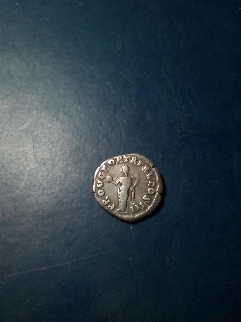 Denario de Marco Aurelio. PROV DEOR TR P XV COS III. Providencia Img_2060