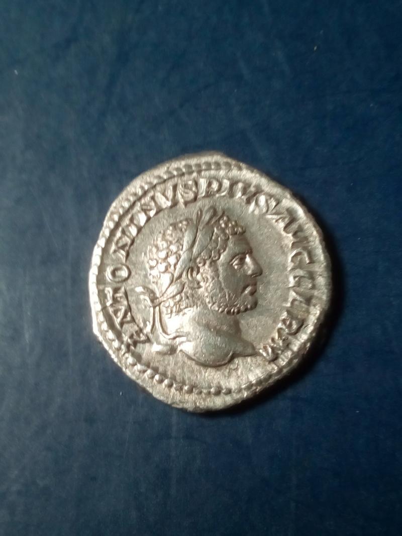 Denario de Caracalla. P M TR P XVII COS IIII P P. Apolo Img_2194