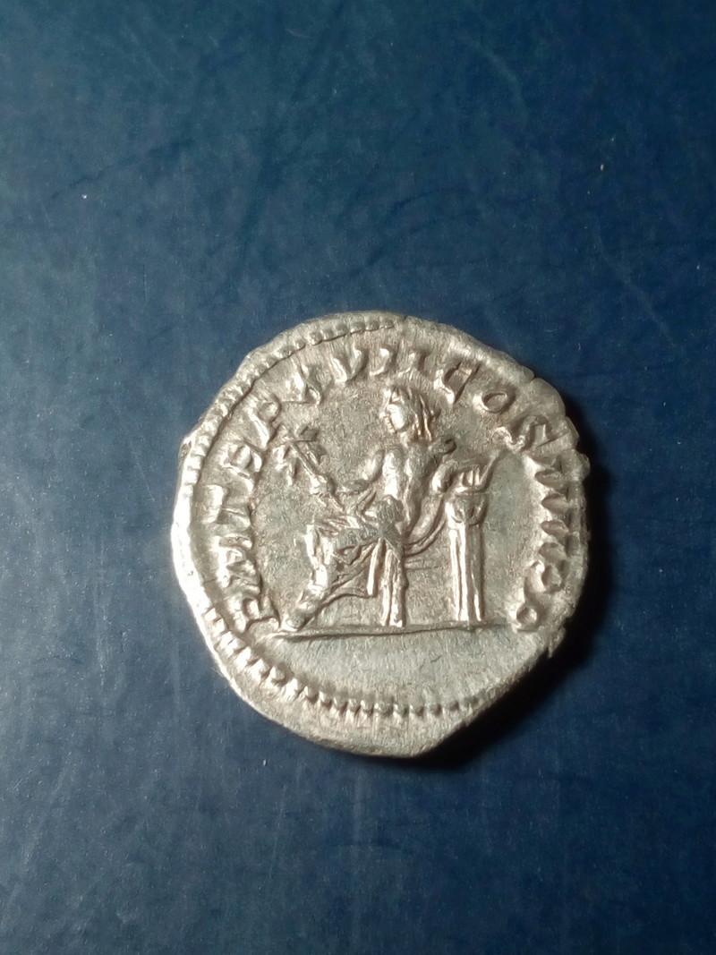 Denario de Caracalla. P M TR P XVII COS IIII P P. Apolo Img_2195