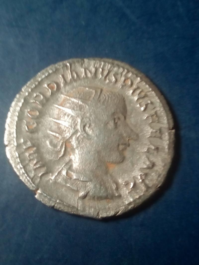 Antoniniano de Gordiano III. P M TR P III COS P P. Roma Img_2216