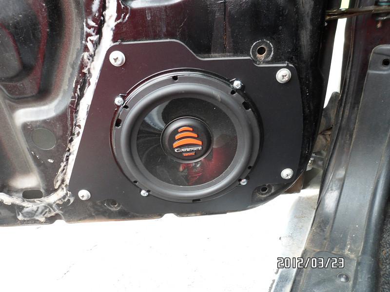 Porta fusibles y Base de cornetas delanteras Driver10