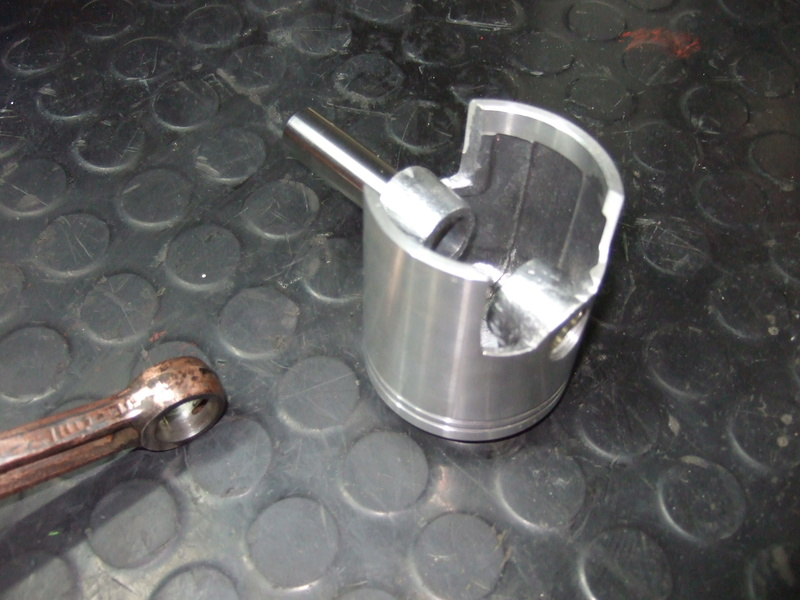 labor - (Vends) Pistons adaptables pour motoculteur Labor L et L05 Dscf5120