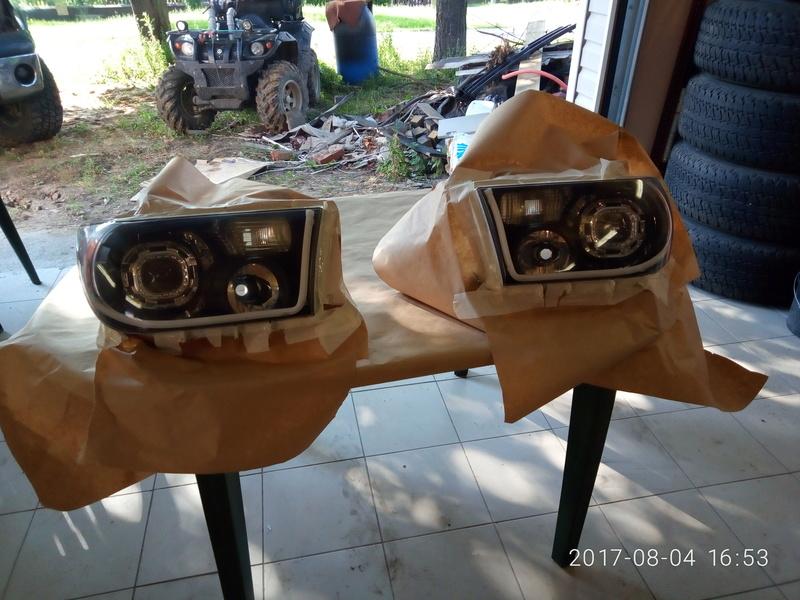 Инновация фар для Тундры! P7080415