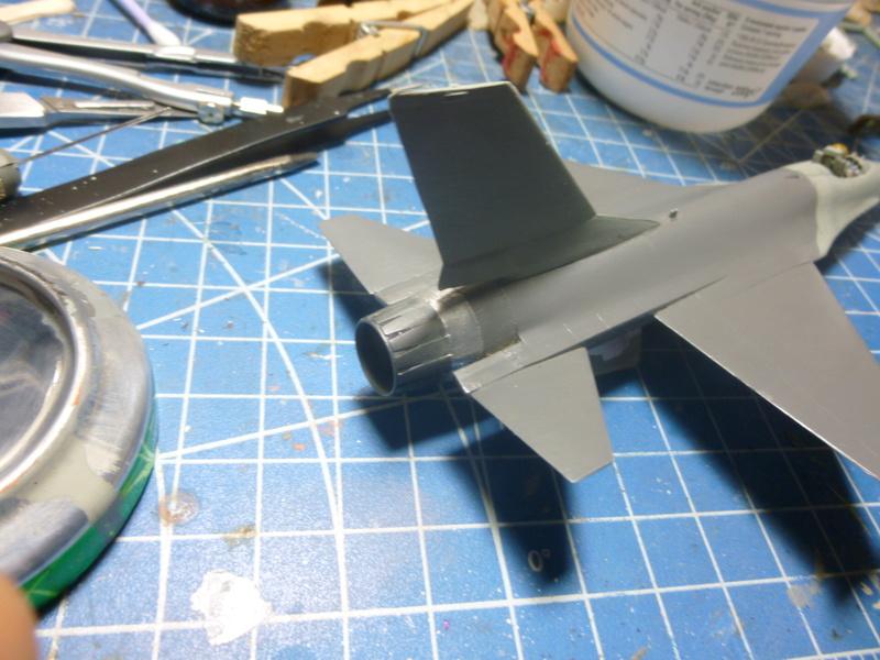 f-16A(yf-16A) 1/72 academy  P1020419
