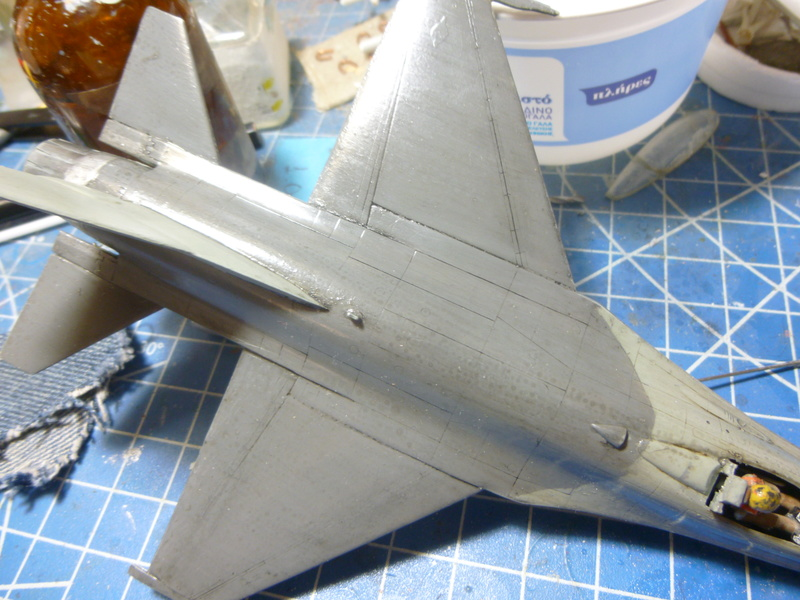 f-16A(yf-16A) 1/72 academy  P1020422